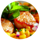 CURRIED SEARED SCALLOPS WITH MANGO SALSA